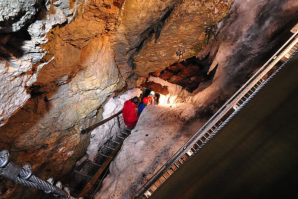Hundalm Eis- und Tropfsteinhöhle