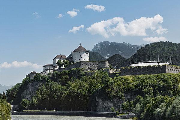 Blick auf die Festung Kufstein und Inn